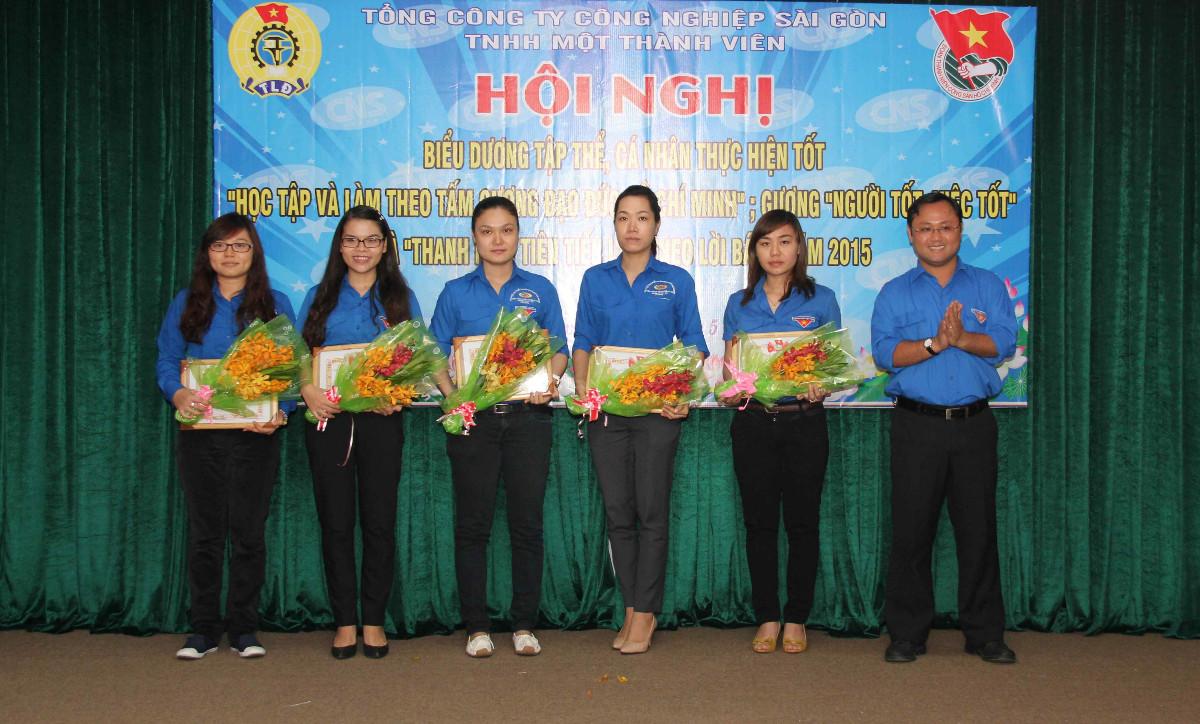 """Tổng Công ty Công nghiệp Sài Gòn: Tổ chức Hội nghị Biểu dương tập thể, cá nhân thực hiện tốt """"Học tập và làm theo tấm gương đạo đức Hồ Chí Minh""""; Gương """"Người tốt việc tốt"""" và """"Thanh niên tiên tiến làm theo lời Bác"""" năm 2015."""